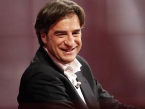 """Max-Tortora-show-da-applausi-con-""""L-amore-è-la-follia"""""""