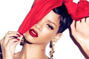 Rihanna-incanta-sul-social-network-con-post-sexy-sfidando-Nicki-Minaj