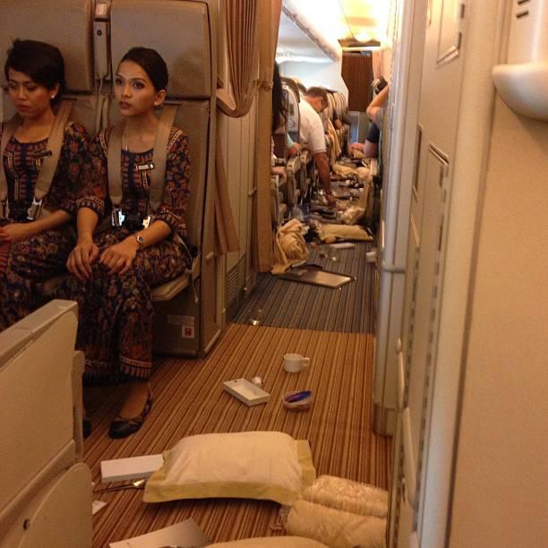 American-Airlines-aereo-colpito-da-una-forte-turbolenza-terrore-tra-i-passeggeri