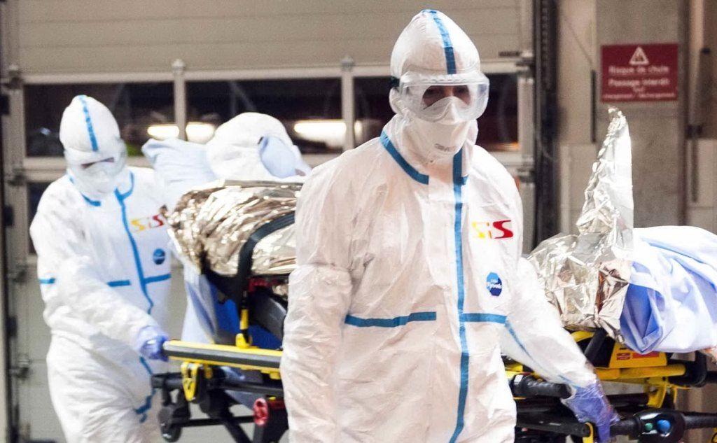 Ebola, medico italiano migliora presto dimesso