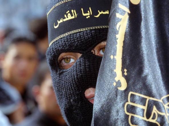 Terrorismo a Bari, il pericolo vero proviene dall'Albania in interi villaggi sventola la bandiera dell'Isis