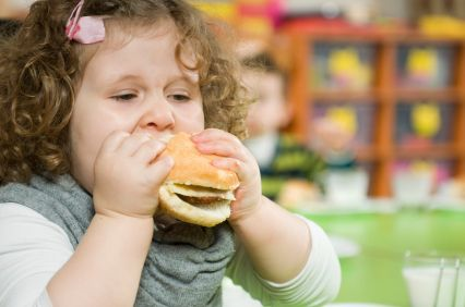 I bambini obesi possono avere danni alla vista