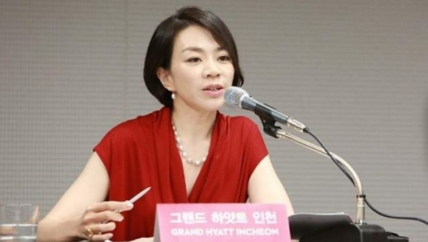 Korean Air, licenziato steward per aver servito noccioline in un sacchetto