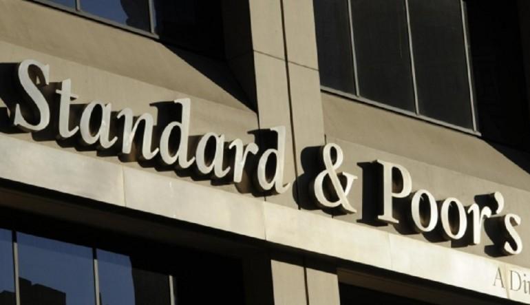 "S&P's declassa Italia da BBB a BBB-, rating ""quasi da spazzatura"""
