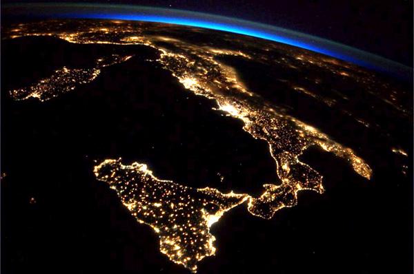 Samantha-Cristoforetti-troppo-bella-l-Italia-vista-dalla-ISS