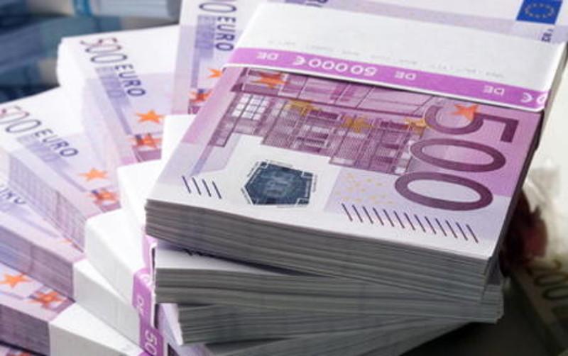 Italia-banconote-da-500-e-200-euro-non-sono-più-utilizzate