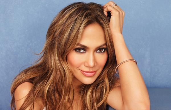 "Jennifer Lopez sexy insegnante in ""The Boy Next Door"""