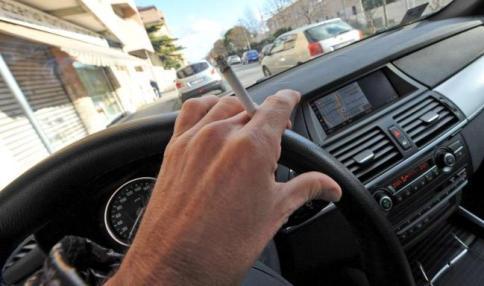 Lorenzin, stop al fumo in auto alla presenza di minori