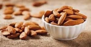 Mandorle-possono-prevenire-colesterolo-e-far-dimagrire