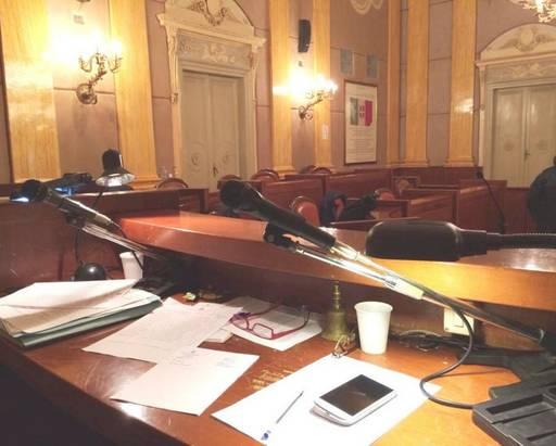 Agrigento, scandalo gettoni d'oro dimissioni in massa dei consiglieri comunali