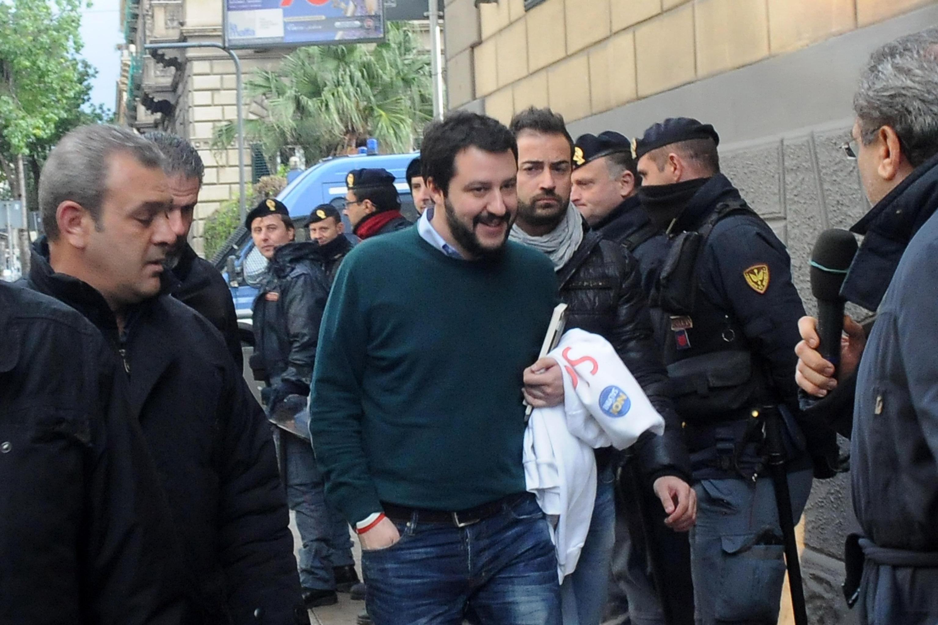 Palermo-Salvini-su-Renzi-è-un-pericolo-per-la-democrazia