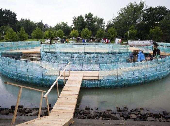 Timisoara-realizzato-il-ponte-con-bottiglie-di-plastica-più-lungo-della-Terra