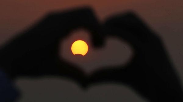 Eclissi di Sole i consigli degli esperti e la diretta streaming