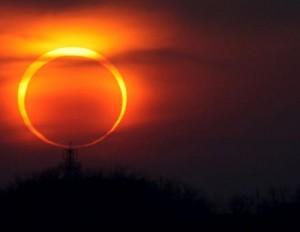 Eclissi-totale-di-sole-il-20-marzo-al-buio-tutta-l-Italia-come-vederla