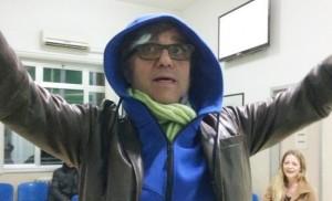 Gaetano-Curreri-scivola-sul-palco-e-sbatte-la-testa