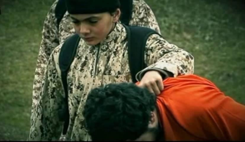 """Isis riconosciuto il bambino """"boia"""" sarebbe francese di Tolosa"""