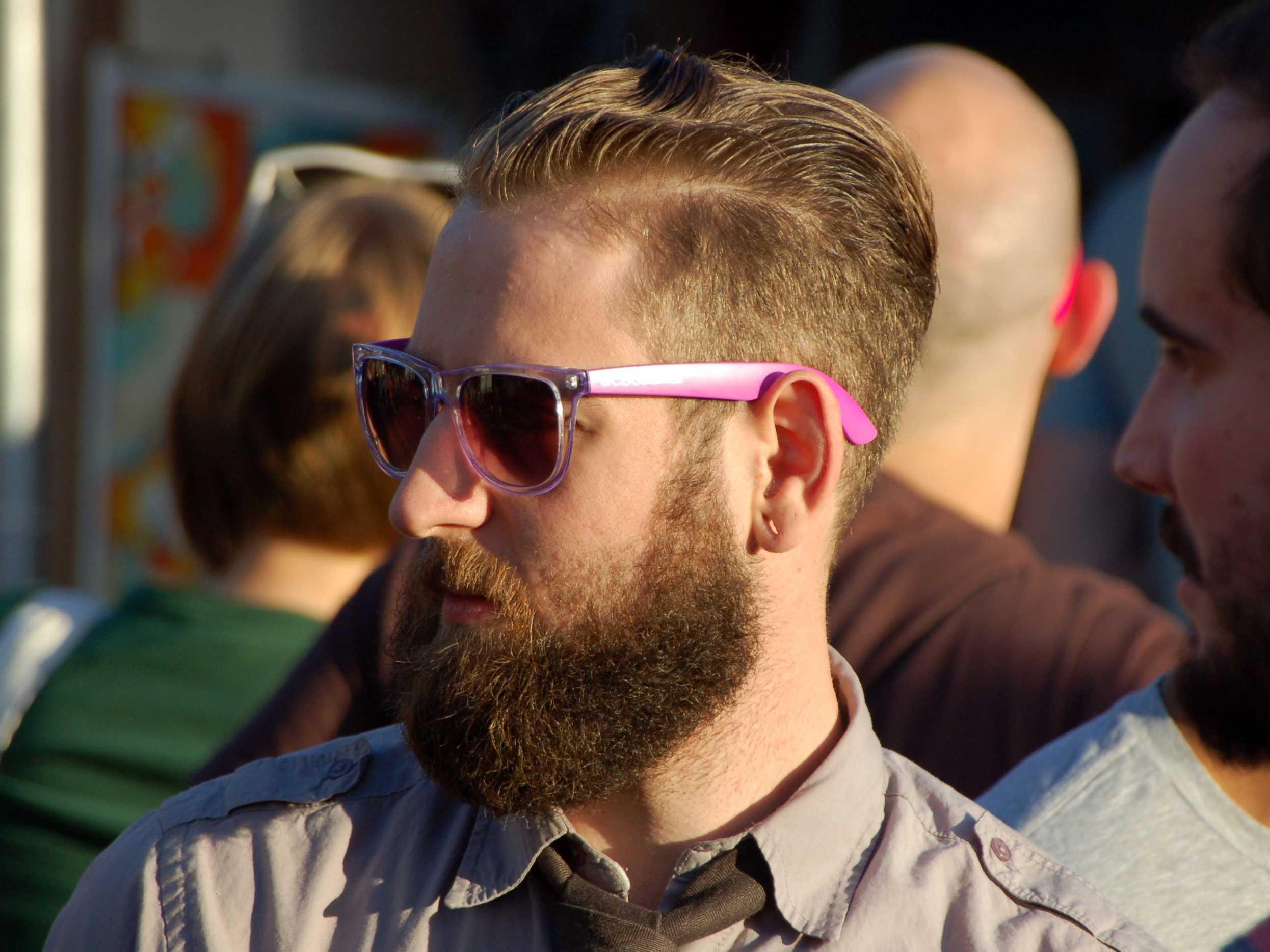 Nella-barba-di-hipster-si-annidano-20-mila-batteri