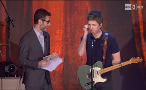 Noel-Gallagher-choc-Fazio-uno-strazio-e-donne-italiane-sosia-di-Jagger