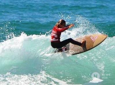 Surf-promessa-francese-di-13-anni-muore-sbranato-da-uno-squalo