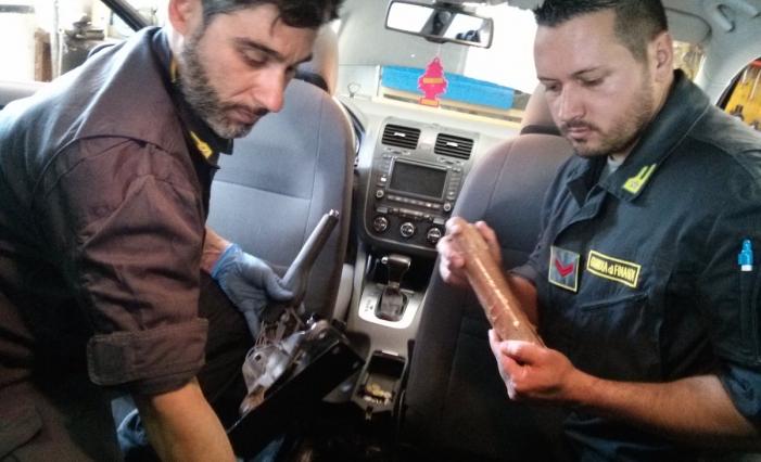Arrestato-alla-frontiera-francese-con-in-auto-6-kg-di-cocaina