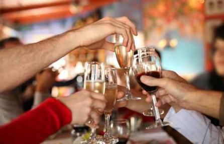 Binge-Drinking-gl-adolescenti-italiani-fanno-a-gara-a-chi-si-ubriaca-prima