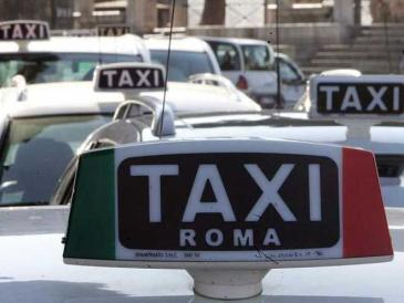 Roma, notte da incubo per un tassista sequestrato da due ragazzi