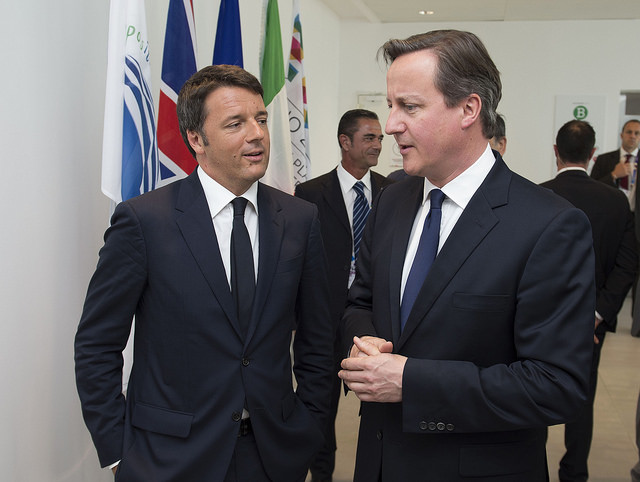 Cameron-all-Expo-con-Renzi-che-parla-in-inglese-di-immigrati