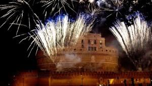 Roma-Fuochi-d-artificio-per-San-Pietro-e-Paolo-a-Castel-Sant-Angelo