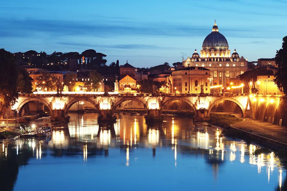 Roma-una-coppia-fa-sesso-in-strada-tra-i-rifiuti-le-foto-su-Facebook