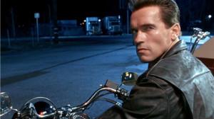 Arnold-Schwarzenegger-fa-uno-scherzo-al-museo-spaventando-fan