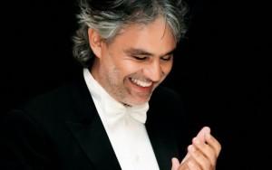 Andrea-Bocelli-esibizione-a-sorpresa-alle-Terme-di-Caracalla