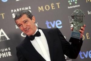Antonio-Banderas-i-suoi-prossimi-film-su-Versace-e-Picasso