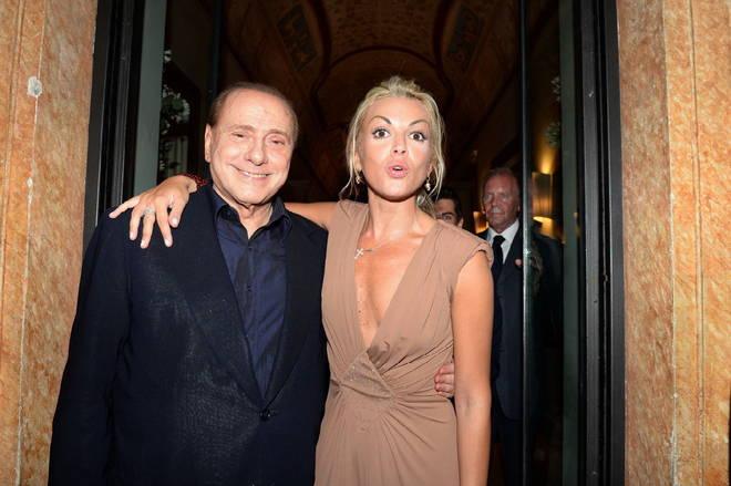 Berlusconi si separa dalla Pascale lei va a vivere in una villa a Casatenovo