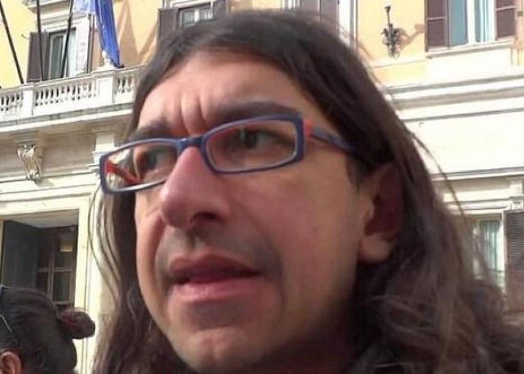 Gabriele Paolini rinvio a giudizio per violenza sessuale palpeggiò giornalista