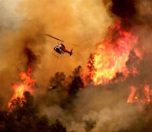 Gallura-vasto-incendio-turisti-in-fuga-evacuati-alberghi-e-case
