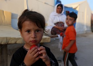 Isis-bambini-addestrati-a-sgozzare-le-bambole