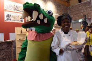 Milano-Expo-padiglione-Zimbabwe-serviti-hamburger-di-coccodrillo
