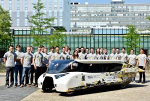 Stella-Lux-auto-solare-che-genera-più-energia-di-quanto-consuma