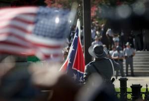 Usa-Sud-Carolina-dopo-strage-Charleston-ammainata-bandiera-confederata