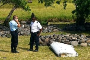 Aereo-Malaysia-disperso-rottami-ritrovati-sull-isola-La-Reunion