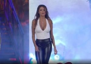 Cristina-Buccino-topless-sulla-spiaggia-di-Ibiza