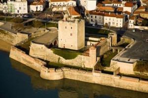 Francia-due-turisti-morti-mentre-fanno-sesso-sulle-mura-di-un-castello