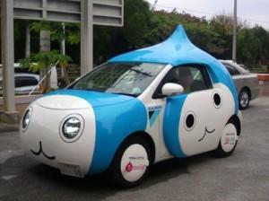 Hipster-in-bici-fa-impazzire-la-Google-Car