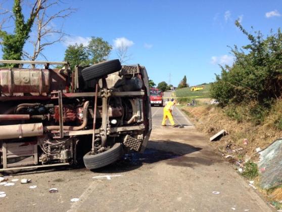 Ponteginori-incidente-camion-dei-rifiuti-si-ribalta-un-morto-e-un-ferito
