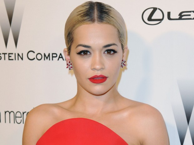 Rita-Ora-sexy-in-topless-al-concerto-di-Los-Angeles