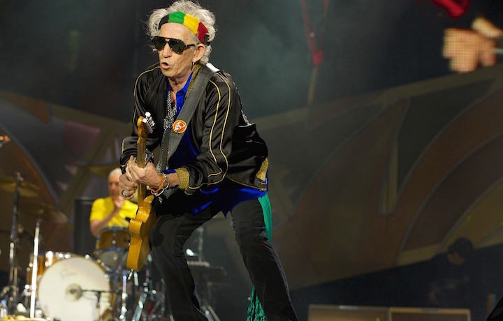 Rolling-Stones-contro-Beatles-il-chitarrista-Richards-Sgt-Pepper-s-è-immondizia