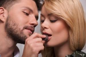 Sesso-e-cibo-le-donne-sono-più-romantiche-a-pancia-piena