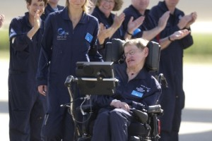 Stephen-Hawking-teoria-rivoluzionaria-sui-buchi-neri-si-può-uscire