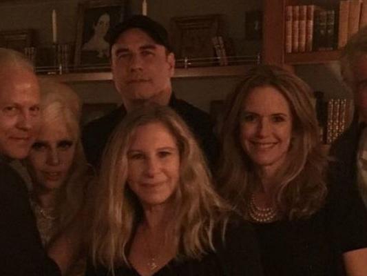 Streisand-Travolta-e-Gaga-in-una-foto-cosa-ci-fanno-insieme