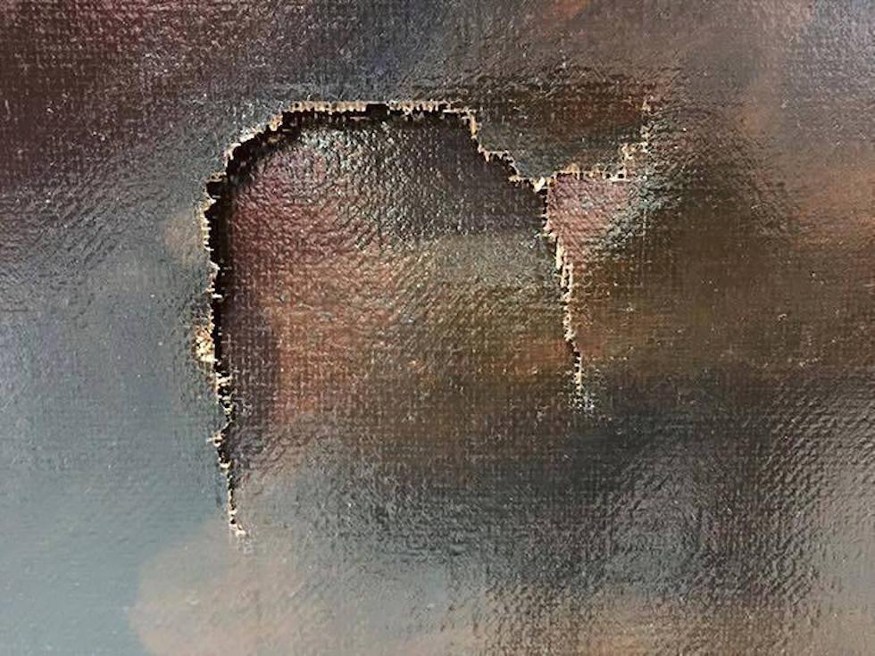 Taipei-ragazzo-inciampa-e-buca-quadro-dal-valore-di-1,5-milioni-di-dollari